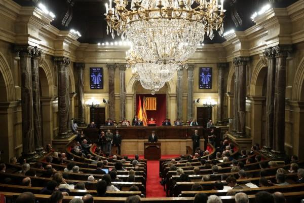 普伊格蒙特今天在加泰隆尼亞議會發表公開演說,會議一度延遲。(路透)