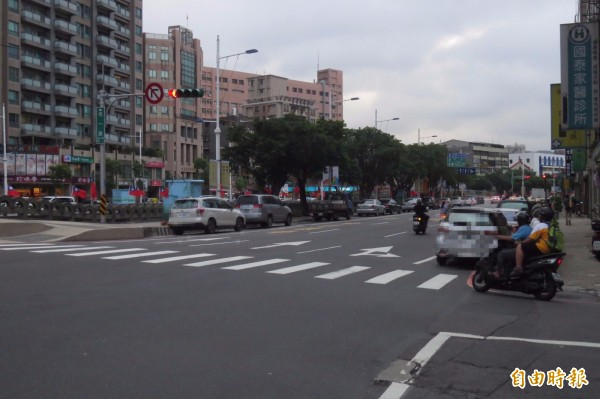 拜科技所賜,基隆市檢舉交通違規的件數增加;其中,信一路也是交通違規被民眾舉報的熱區之一。(記者俞肇福攝)