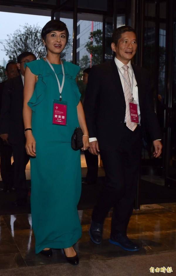 客委會主委李永得(右)與太太立委邱議瑩(左)出席,去年共赴泰國考察。(資料照,記者簡榮豐攝)