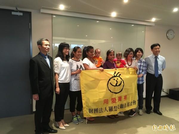 台灣政府與民間團體共同幫助吉里巴斯有唇顎裂問題的兒童。(記者林彥彤攝)