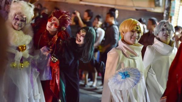 京都一条通大將軍商店街每年10月舉辦的「百鬼夜行」,民眾共襄盛舉裝扮成妖怪參加。(圖片由網友Instagram@shou_fu提供)