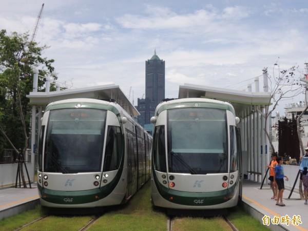 高雄輕軌一階14站9月底全線通車,11月開始收費。(記者王榮祥攝)