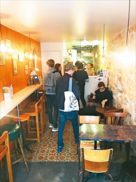 在「Le 37 m2」的分店「Le 37 m2 Saint-Denis」裡,除了台灣的留學生外,也有不少當地人特地來此用餐!(圖片提供/Le 37m2)