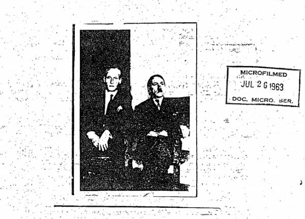 希特勒沒自殺還撐過了10年的戰犯起訴期限?CIA釋出希特勒與友人合照證明。(圖擷取自CIA解密檔案)