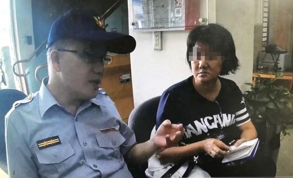 林福雄苦勸林女半小時,請她相信警方。(記者陳文嬋翻攝)