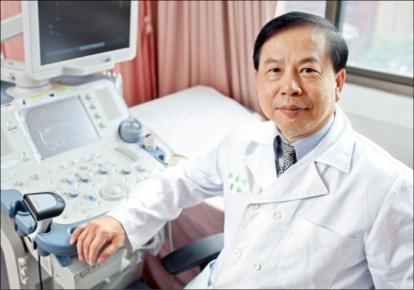 ▲許金川教授提醒,有B、C型肝炎的人,每半年要做一次完整的肝臟檢查。 (肝病防治學術基金會提供)
