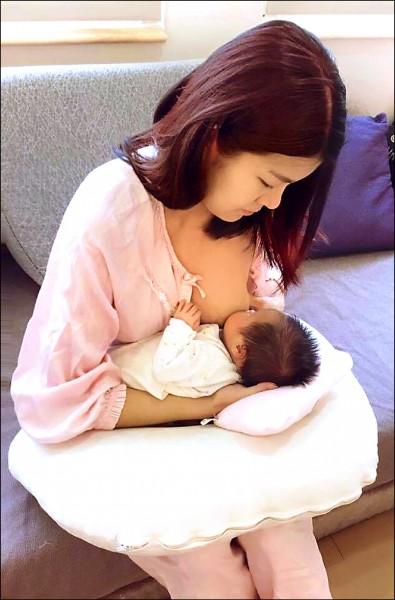 今年前九月台灣新生兒出生數僅有十四.三萬人,死亡人口則攀升到十三萬人,今年出生數恐將是歷年次低、人口自然增加將改寫歷史新低。(資料照)