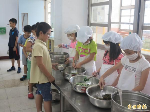 核二廠回饋金明年將減少,萬里國中小免費營養午餐面臨喊卡。(記者林欣漢攝)
