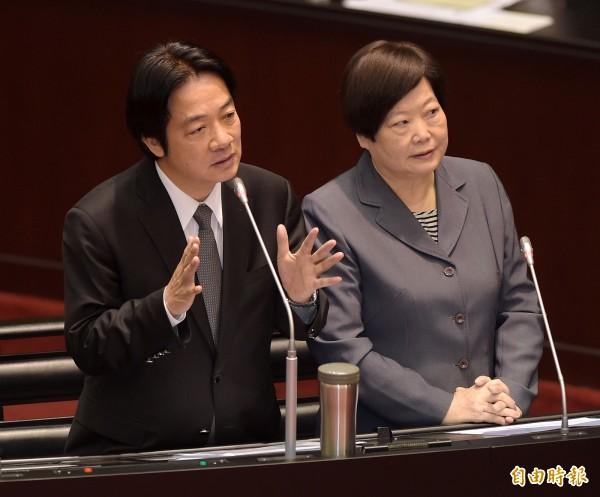 行政院長賴清德(左)、勞動部長林美珠(右)至立法院列席備詢。(資料照,記者黃耀徵攝)