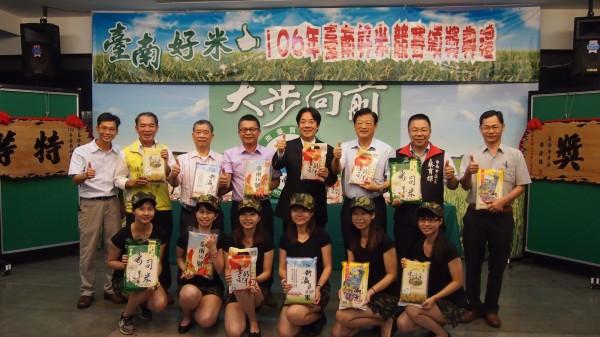 有「臺南越光米」之稱的台南16號,將於11月4日進軍台北,邀請行政院長賴清德代言,向全國民眾推薦香甜Q彈的台南好米。(圖由南市農業局提供)