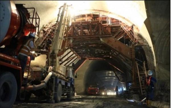 東澳隧道最後一模主線隧道襯砌,已於日前完工。(蘇花改工程處提供)
