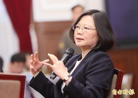 我國媒體向劉結一發問與「總統蔡英文」有關問題,被要求更改問題。(資料照,記者鍾麗華攝)