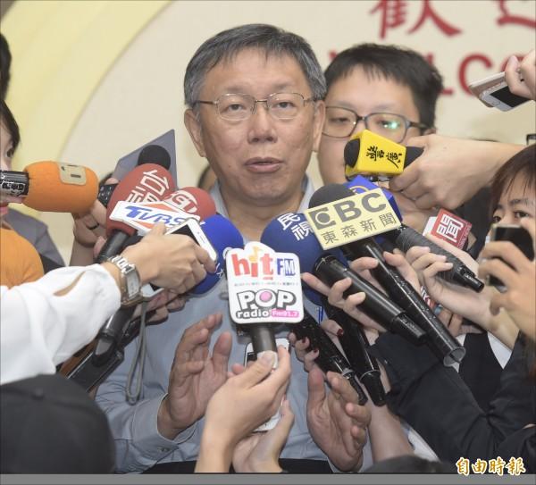 行政院長賴清德今將親自召開記者會,對外說明一例一休修法內容,台北市長柯文哲昨表示,支持賴揆修法政策。(記者黃耀徵攝)