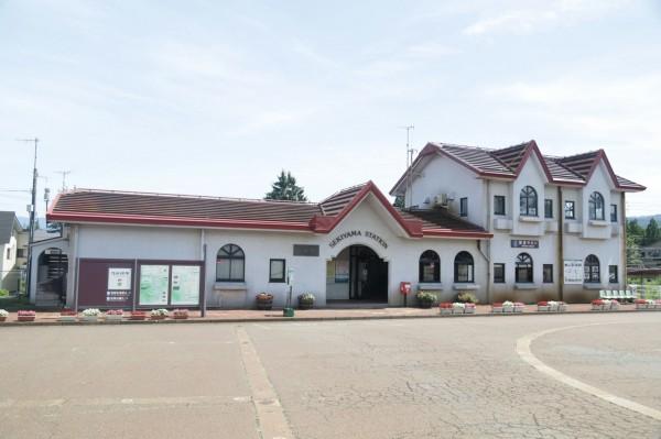 日本新瀉縣上越市的關山站。(台鐵提供)