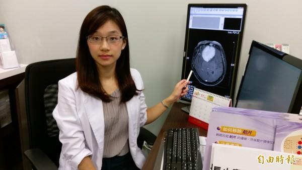 長安醫院神經內科醫師陳惠萱表示,民眾若出現記憶力變差、性格改變等症狀,最好儘快就醫釐清病因。(記者陳建志攝)