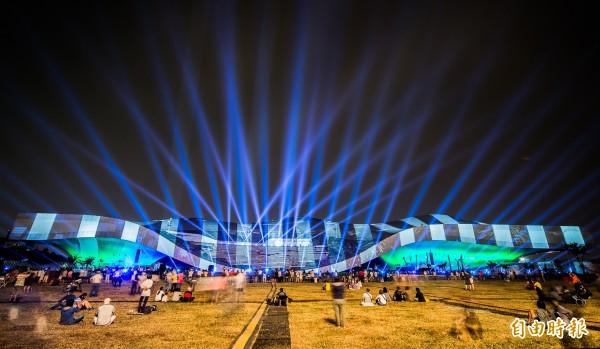 衛武營明晚推世界級劇院3D光雕秀。(記者張忠義攝)