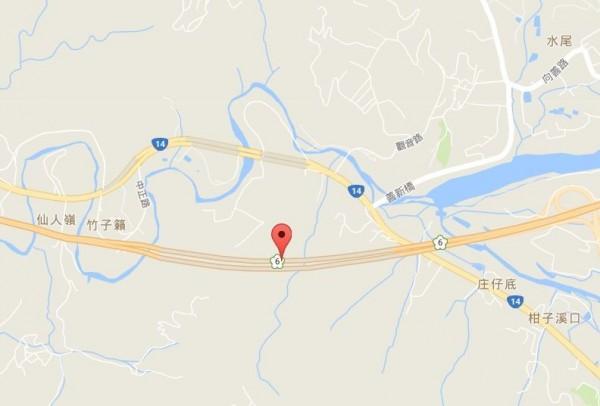 國道6號埔里隧道今天(23日)傍晚6點50分傳出火燒車意外,國道警與消防人員已到場處理。(翻攝自google)