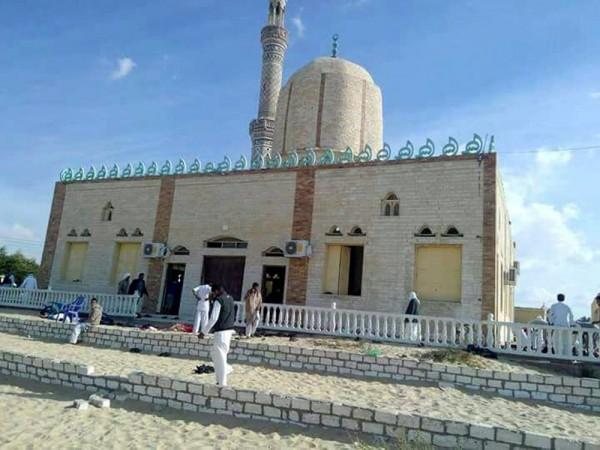 發生恐攻的清真寺外觀。(歐新社)