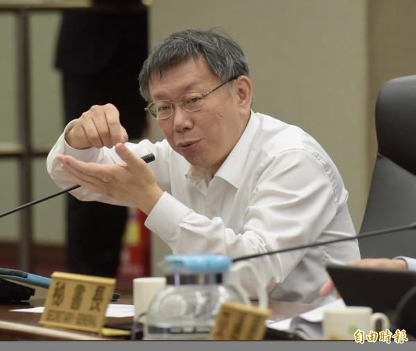 台北市長柯文哲說,台北市是頂樓加蓋一定拆,近期將召集消防局、警察局和建管處再做通盤檢討。(記者黃耀徵攝)