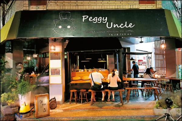 江糊食堂讓傳統麵線攤有了全新的感受,在夜晚的街弄裡飄香。(記者潘自強/攝影)