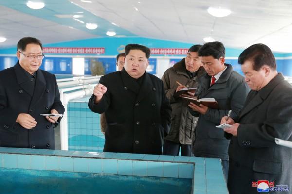日媒指出,由於北韓官方鼓勵人民在嚴寒出海捕魚,才會接連發生船難。(路透)