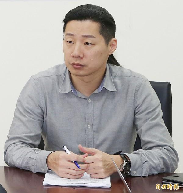 立法院院會今天廢止蒙藏委員會組織法,時代力量立委林昶佐表示,這是要向國家正常化邁進,也應該要廢除一國兩區、福建省等機制,也希望分到文化部和陸委會的業務,沒意義的就不要繼續進行。(資料照,記者陳志曲攝)