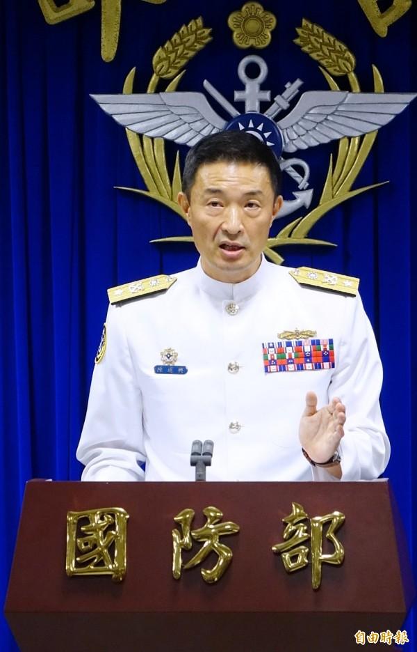 海軍計畫處長陳道興表示,首艦工程進度正常,但未涉機密,僅是複合材料的船殼。(記者朱沛雄攝)