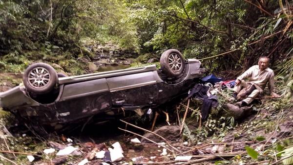 清大教授李家維21日晚間墜落30公尺深的溪谷,歷經32小時才獲救。(照片由清大提供)