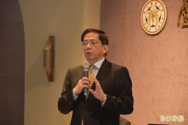 台灣大學校長候選人管中閔說明治校理念,以「變革」為核心、國際化為目標,盼讓台大在高教成為「亞洲旗艦」基地,吸引歐美名校合作。(記者吳柏軒攝)