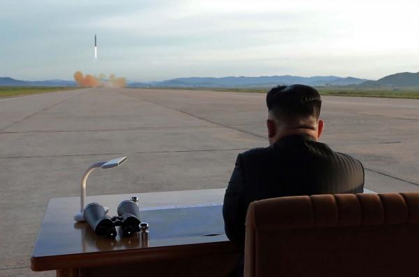 南韓證實北韓在今天凌晨發射一枚導彈,落入日本經濟海域。(法新社)