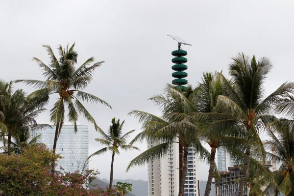 夏威夷緊急事務管理局本週一表示,將對冷戰時期的核攻擊警報系統進行全面測試,以應對北韓的和飛彈威脅。圖為夏威夷海嘯警報塔。(路透社)