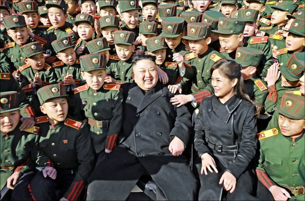 北韓官員受訪指出,試射洲際導彈只是第一步,接下來會進行地面核試或大型氫彈試爆。(法新社檔案照)