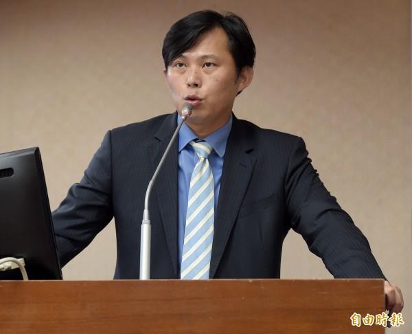 黃國昌今在臉書強調:「即使我不贊成顧主委的立場,但我必須要說,他比前任主委曾銘宗有Guts!」(資料照,記者黃耀徵攝)
