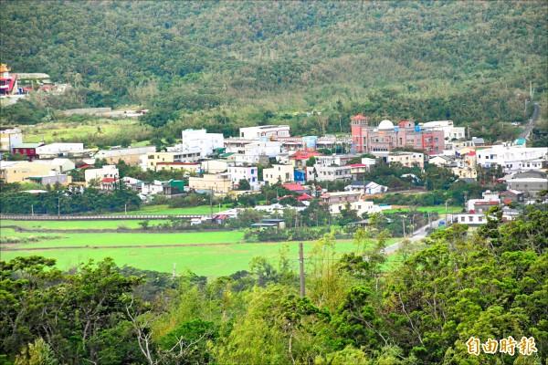 滿州鄉許多土地、聚落都受國家公園管制。(記者蔡宗憲攝)