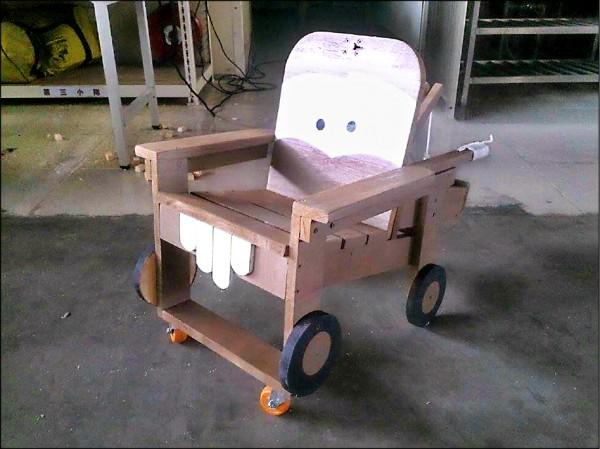 小朋友的玩具車。(記者曾健銘翻攝)