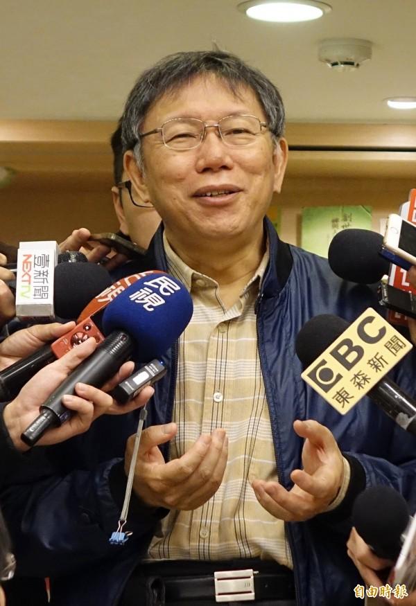 針對內湖交通問題,台北市長柯文哲表示,明年會有一個12行政區的通盤檢討計畫,屆時也會把內湖交通納入,再做一次處理。(記者劉信德攝)