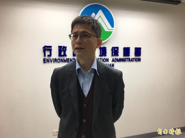 環保署副署長詹順貴今受訪時表示,他認為空污相對貢獻度較高的企業,基於社會責任應承擔更多污染防治措施。(資料照,記者楊綿傑攝)