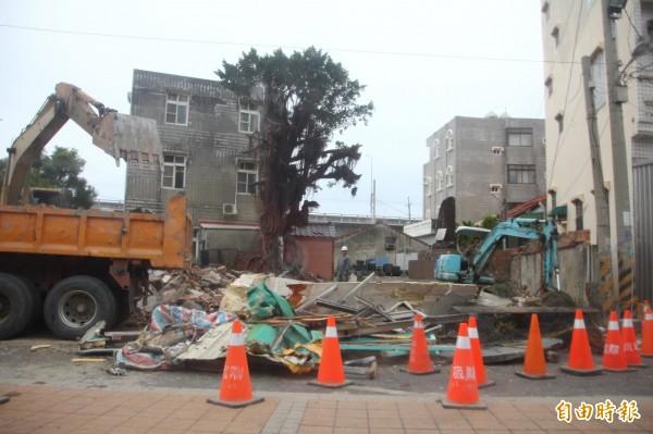 舊高雄關稅局布袋留置所已被拆除。(記者林宜樟攝)