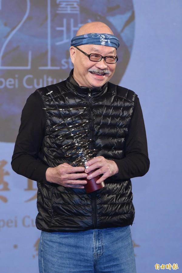 台北市文化獎頒獎典禮14日在中山堂舉行,差事劇團創立人鍾喬(見圖)是其中一位得獎人。(記者廖振輝攝)