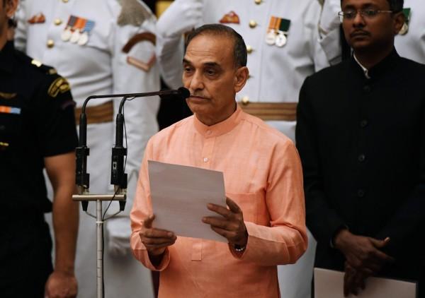印度人力資源發展部長辛格(Satyapal Singh)在演講時群眾表示,「沒有人敢娶穿牛仔褲的女生」引發爭議。(法新社)