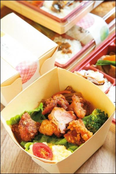 炸雞塊四角飯盒/99元。炸雞塊口味是姬路Maneki 鐵路便當四角飯盒系列人氣第1名,雞肉經醃醬調味,吃來外皮酥脆,肉質鮮嫩多汁。(記者沈昱嘉/攝影)