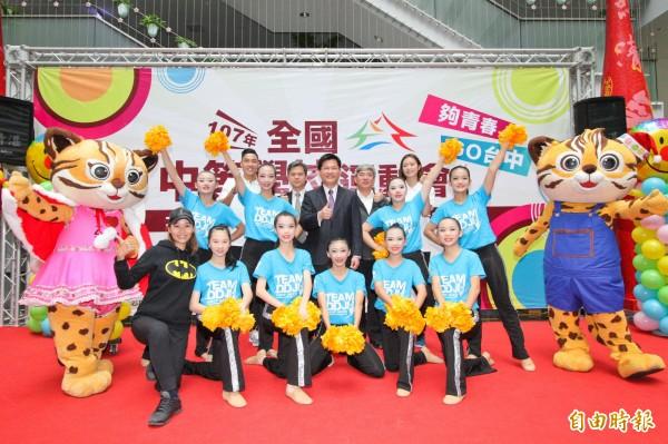 明年全中運在台中,請來世大運得獎英雄陳傑、楊千玫代言。(記者蘇孟娟攝)