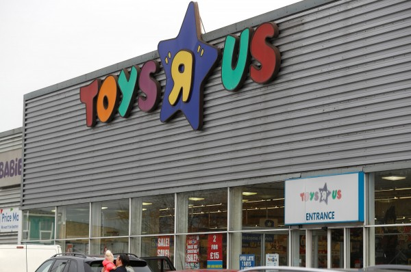 玩具反斗城將關閉多家美國分店。(路透)
