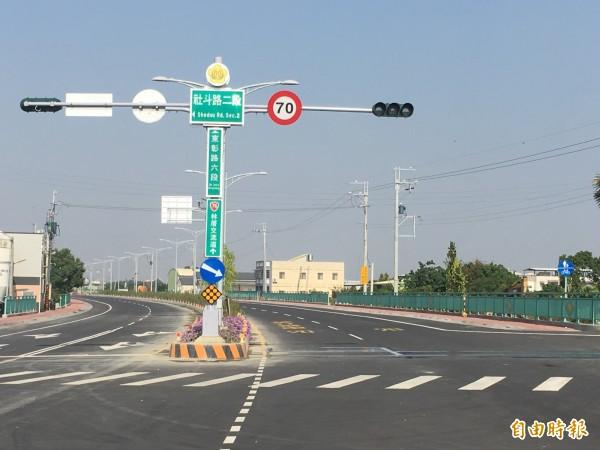彰化高鐵站對外聯絡道全長9.4公里,下月中旬全部通車。(記者顏宏駿攝)