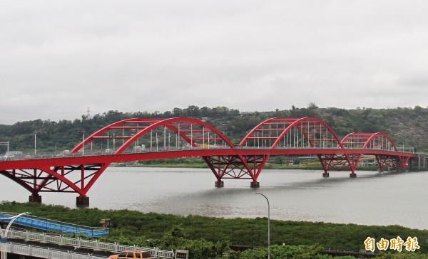 關渡橋將加強橋梁耐振補強,經費1.7億元,工期長達2年,完工後可抗震達5級強度。(記者陳心瑜攝)