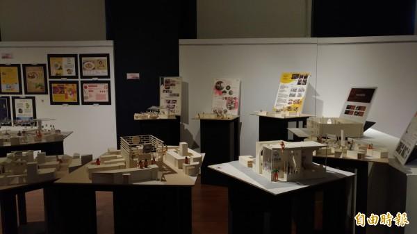 虎尾科技大學藝術中心舉辦多媒體設計系成果展。(記者廖淑玲攝)