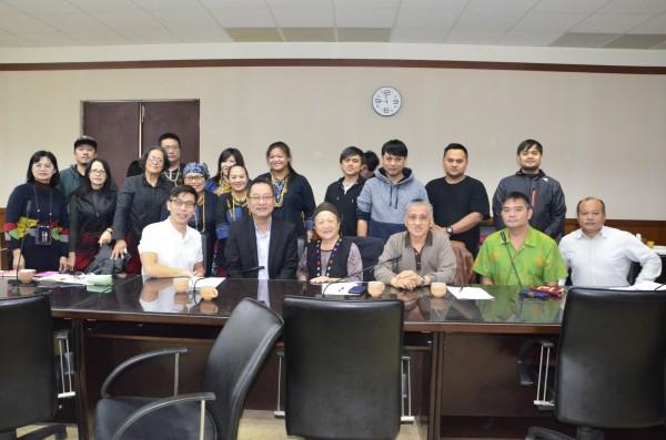 「部落學校轉型暨原住民族教育中心規劃說明會」在屏東縣政府舉行。(記者羅欣貞翻攝)