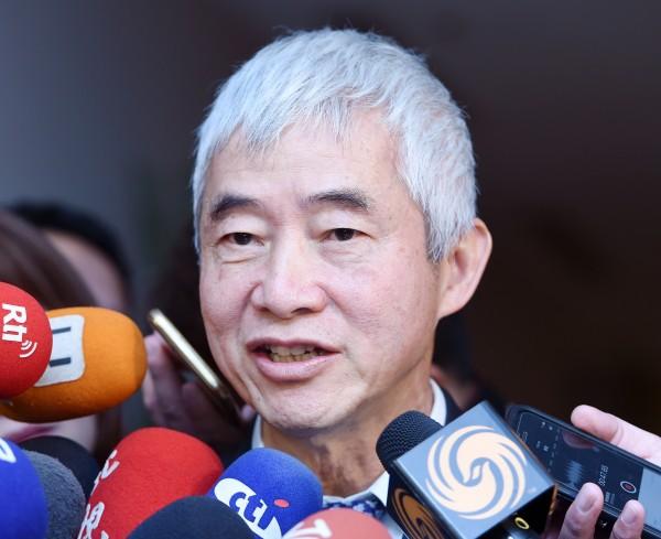 賀陳旦表示,台灣可有兩、三家大型公司,在各地協助建設捷運,規劃、興建、營運、維修累積完整經驗,長期就可向國際輸出,去緬甸、印尼等爭取幫建捷運。(記者廖振輝攝)
