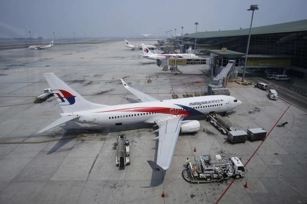 馬來西亞交通部長廖中萊(音譯)今(6)稱,馬國政府已同意重啟搜尋失蹤的MH370班機殘骸。圖為馬航班機示意圖。(路透社)