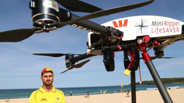 澳洲新南威爾斯州(New South Wales)納稅人支付的無人機,週四(18日)在該州北部海灘建功。(圖取自澳洲新聞網)